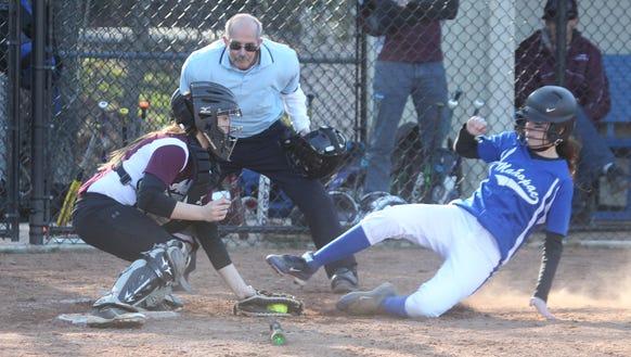 Arlington softball beat Mahopac 7-2 at Mahopac April