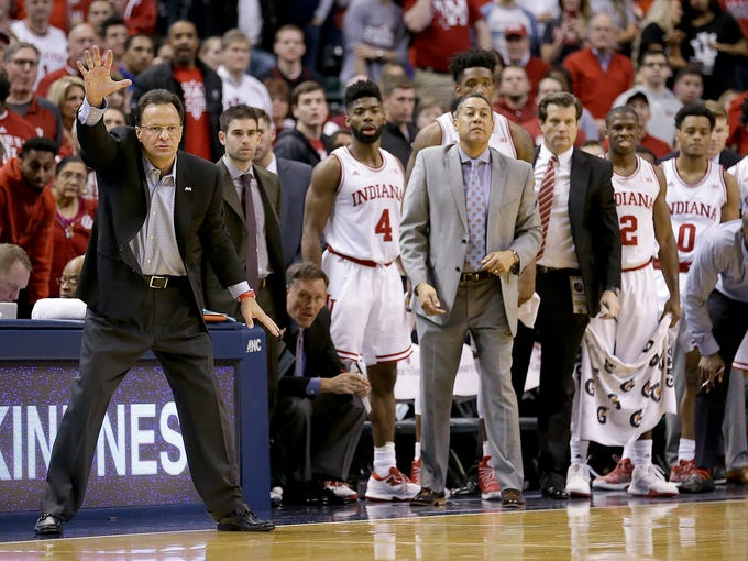 Indiana Hoosiers head coach Tom Crean attempts to get