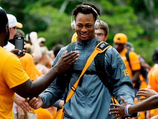 Tennessee defensive back Shawn Shamburger (15) greets