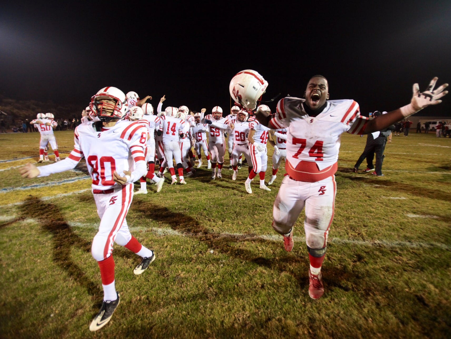 Palm Springs wins title with 24-21 win over Serrano.