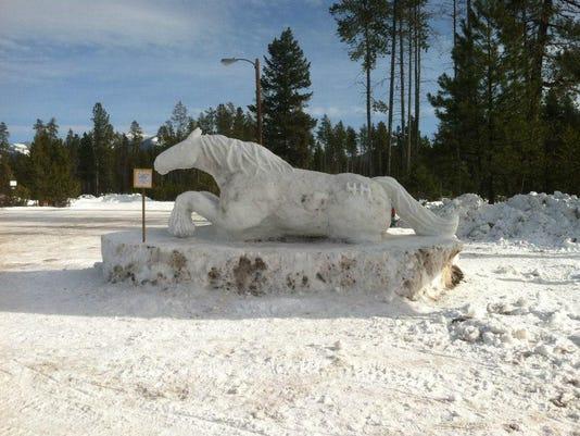 3 Snow Horse