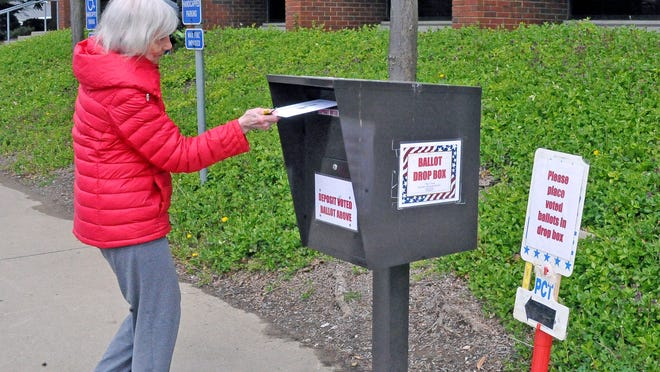 Wanda Fetter took advantage of the dropbox outside the Wayne County Board of Elections to cast her ballot during the 2020 primary election.