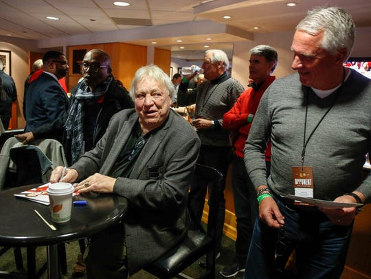 Legendary hockey player Bobby Hull stopped by to sign