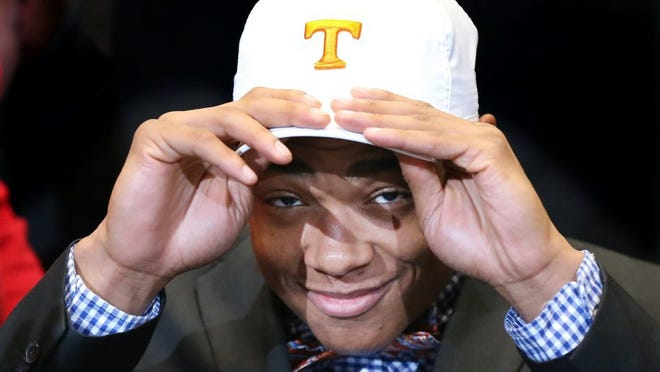 Nigel Warrior of Peachtree Ridge High School in Atlanta announces he is going to Tennessee on national signing day Feb, 3, 2016.