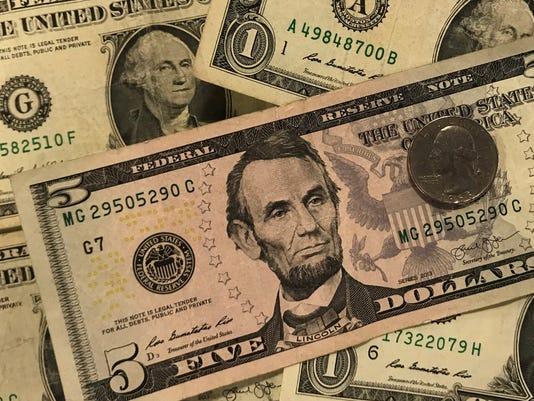 636477347794168502-money.jpg
