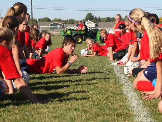-wambach teaching headers.jpg_20140921.jpg