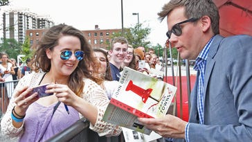 'Paper Towns' tour comes to Indy
