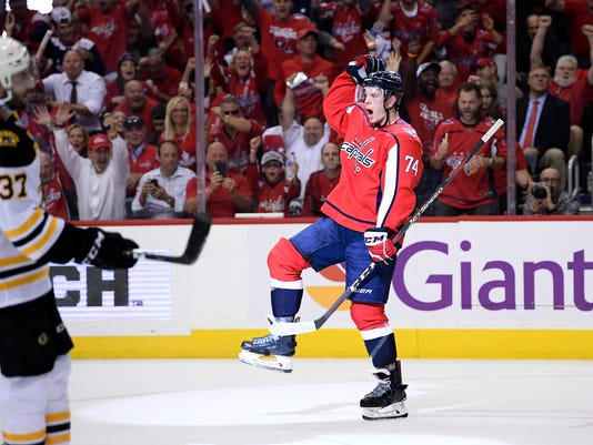 e554ea867eb Capitals open Stanley Cup defense with 7-0 rout of Bruins