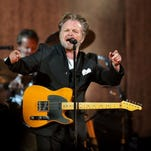'Check it out': A 'Plain Spoken' night with John Mellencamp and fans