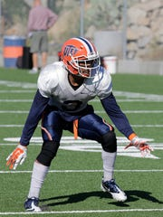 Traun Roberson, #3, graduate student and defense back