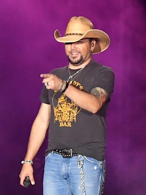 Jason Aldean performs during the Route 91 Harvest music festival on Oct. 1, 2017 in Las Vegas