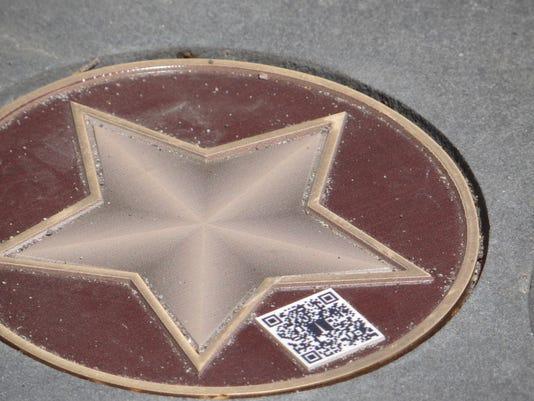 SAL0611-Forward This Memorial Tech DETAIL 1