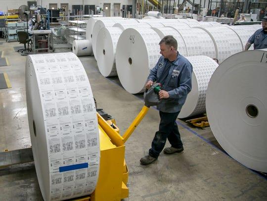 Offline Folding operator Evan Stark gets a large roll