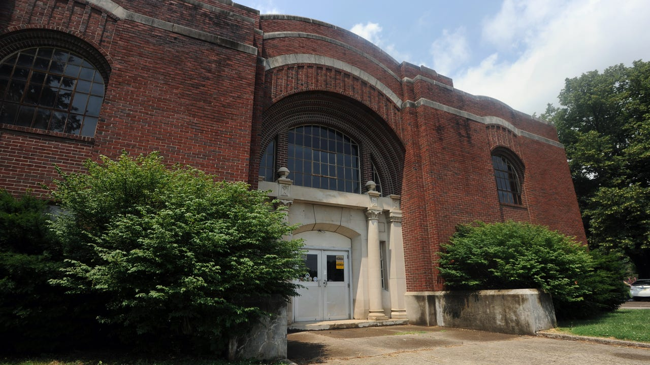 Highlights of a walk through of the armory in Yoctangee Park.
