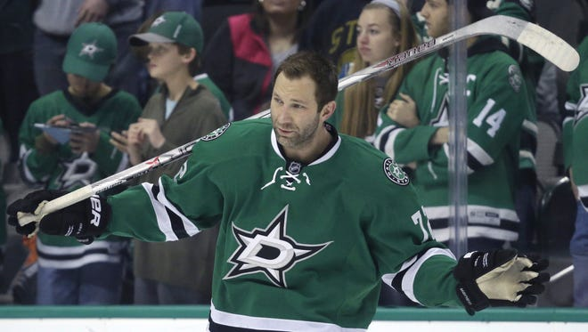 Erik Cole has been traded to the Detroit Red Wings from the Dallas Stars.