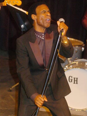 Bobby Holley performs in 2002.