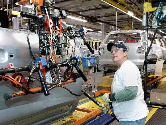Gm announces 900 jobs as trump visits detroit for Motor cars lansing mi