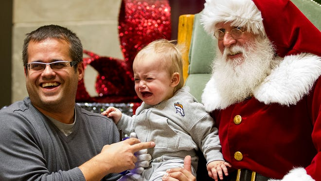 Christmas Lighting At Foothills Mall 2020 Santa Claus, crowds fill Foothills Mall for holiday kickoff