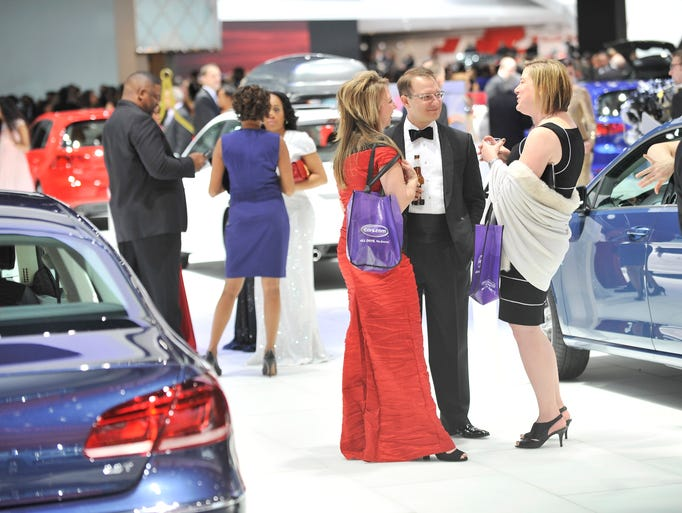 2015 auto show charity preview part 2 for Charity motors auction in detroit mi