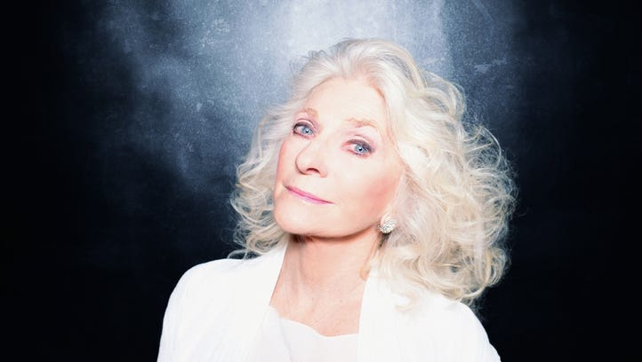 Judy Collins addresses Naples NAMI with a message of natural mental health