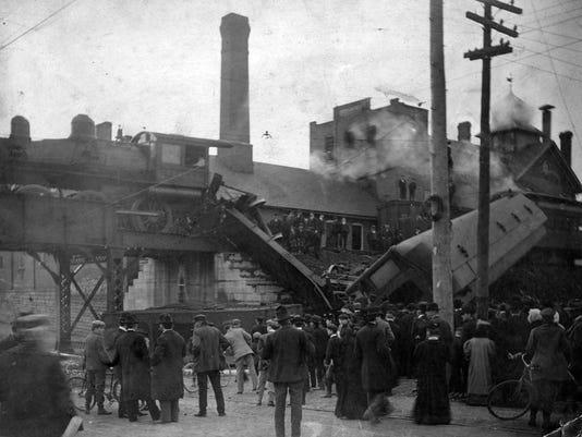 1906-train-wreck.jpg