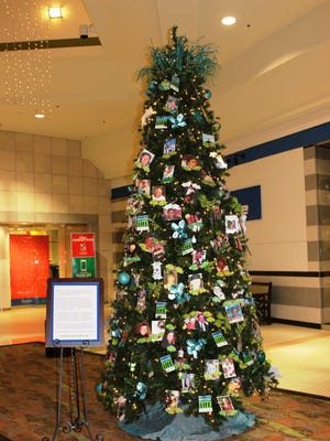 The Donate Life Tree at Turtle Creek Mall honors organ donors.