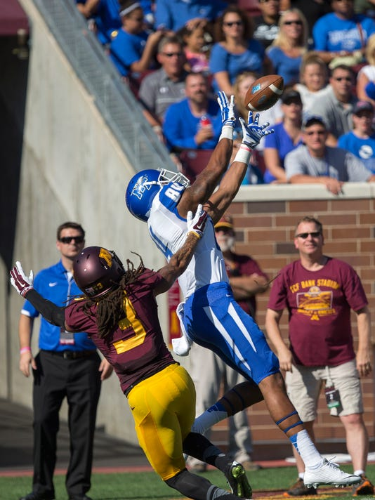 NCAA Football: Middle Tennessee at Minnesota