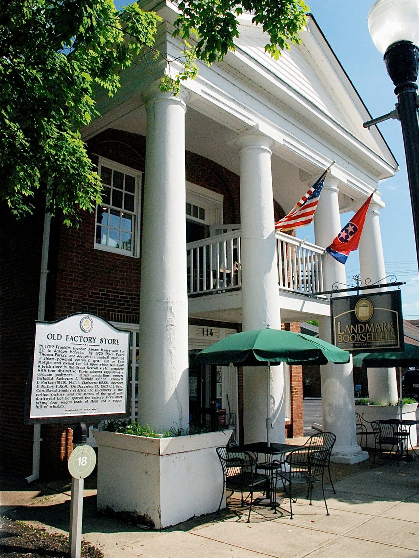 Landmark Booksellers Franklin Tennessee - Road Trip Planner, Road Trips USA, Road Trip America, Road Trips In USA, road trips planning, america road trip, road trip USA, best road trips in America, best road trip stops along I-65