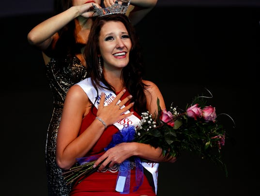 636442305091025989-SPJ-102117-Miss-Wisconsin-Rapids-35.jpg
