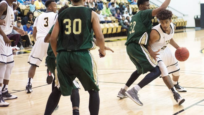 Tyler Junior College's Eden Ewing (24), shown here against Brookhaven College last season, became Purdue's third 2017 commitment this week.