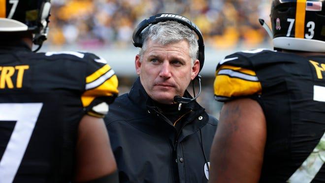 Steelers offensive line coach Mike Munchak