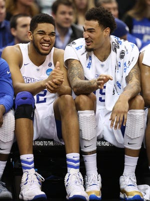 Kentucky forwards Karl-Anthony Towns (left) and Willie Cauley-Stein are comfortable bearing the weight of being unbeaten.