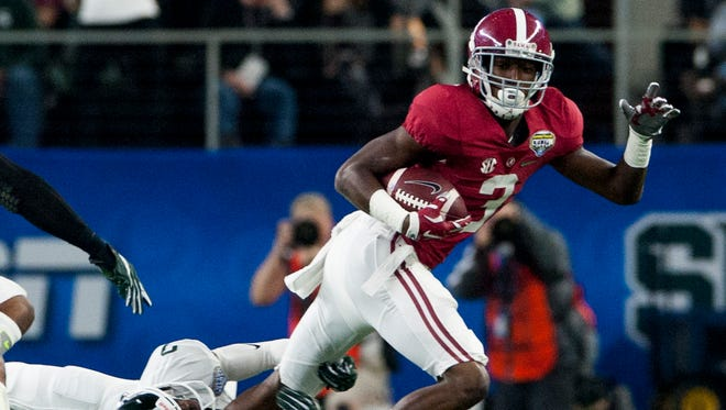 Alabama wide receiver Calvin Ridley (3) against Michigan State during first half action in the Cotton Bowl on Thursday December 31, 2015 at AT&T Stadium in Arlington, Tx. (Mickey Welsh / Montgomery Advertiser)