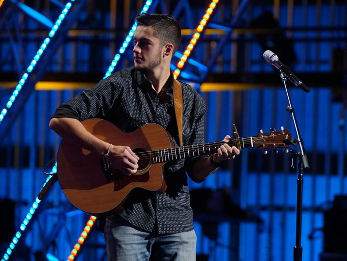 """Garrett Jacobs competes on """"American Idol"""" during Hollywood"""