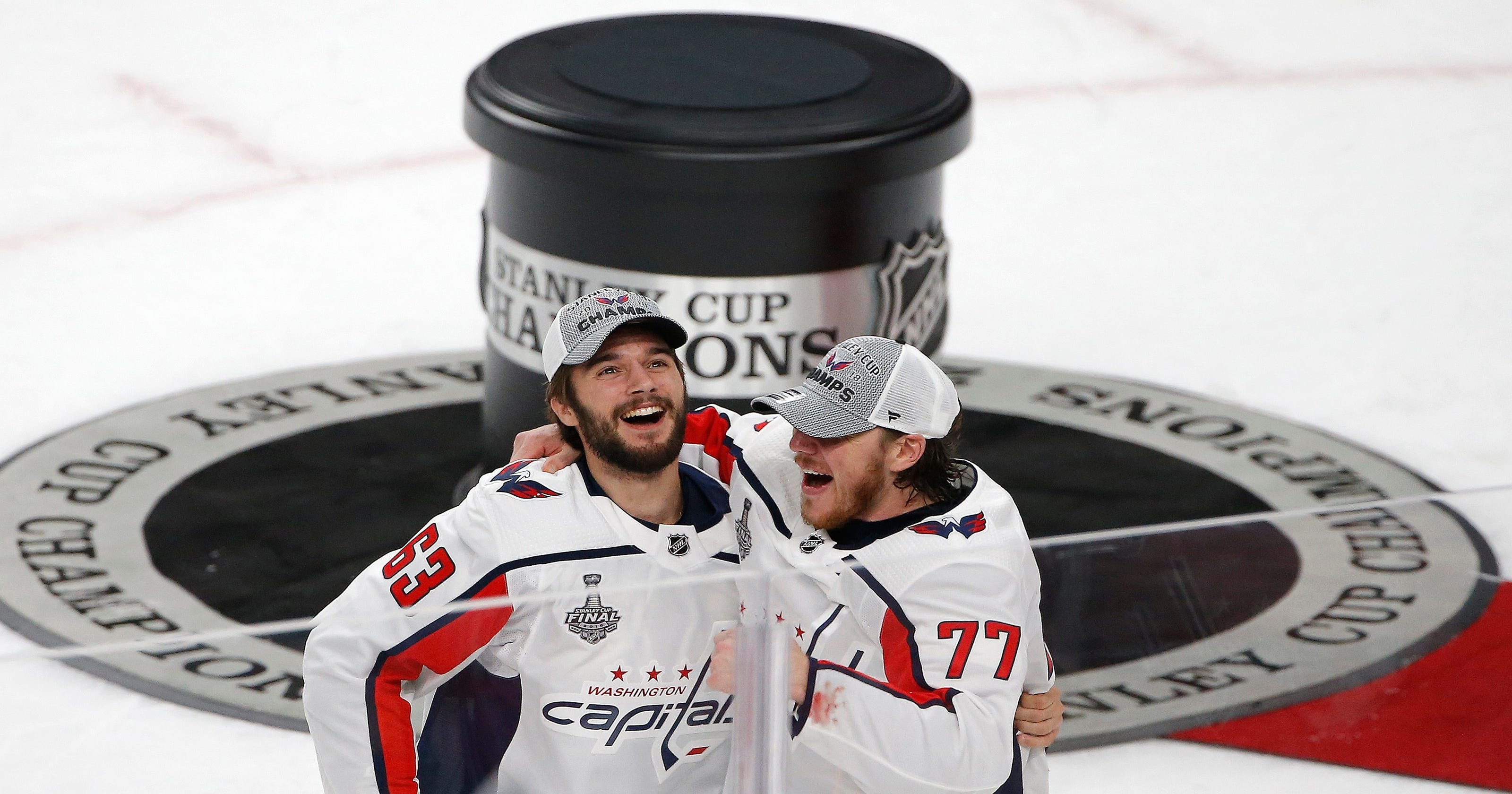 Caps  TJ Oshie shares Cup with Alzheimer s-afflicted father 66464d50a328