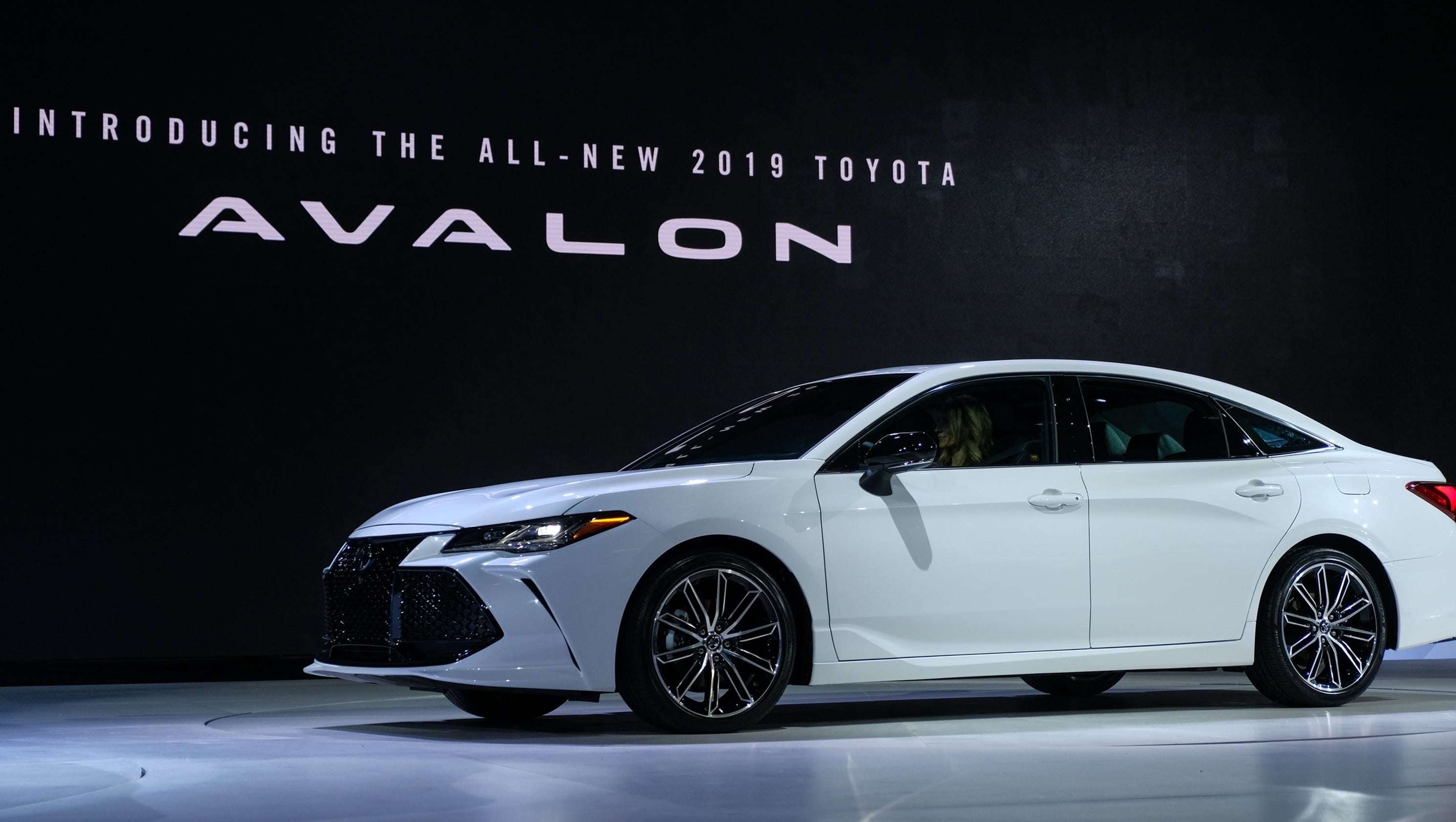 2019 Toyota Avalon S Aggressive Style Pairs With Safety And Efficiency
