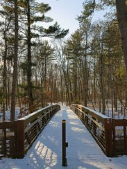 A footbridge connects the Ishnala Trail with the Echo
