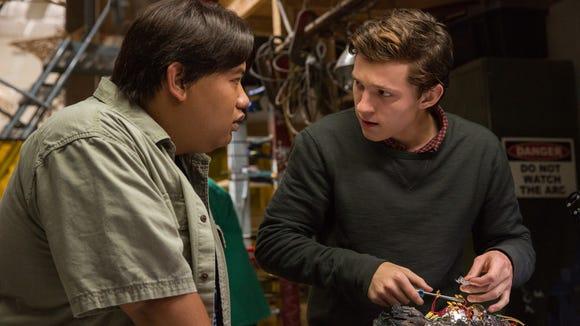 Ned (Jacob Batalon, left) and Peter (Tom Netherlands) nerd