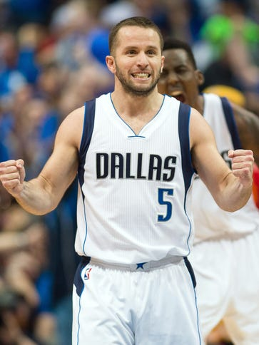 J.J. Barea had 17 points and 13 assists in his first