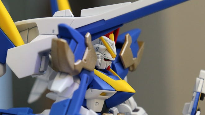The High Grade 1/144-scale Victory Two Assault Buster Gundam.