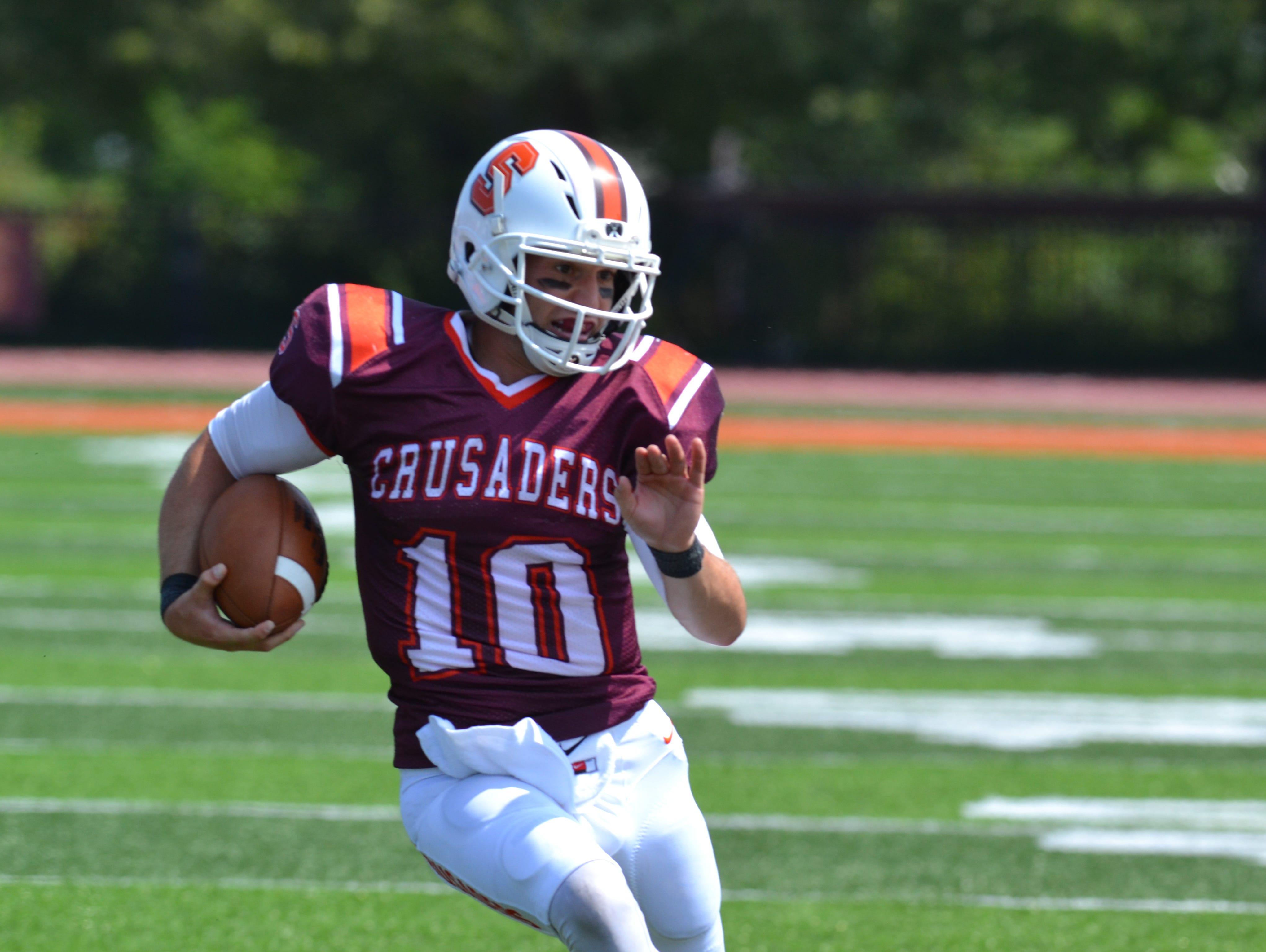 Susquehanna quarterback Nick Crusco of Oak Ridge