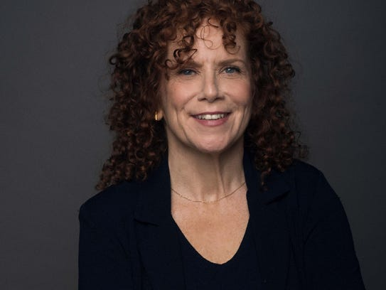 Amy Stiller brings her show to the Hart Theatre.