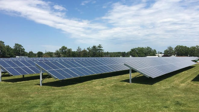 The U.S. EPA has installed 4,788 photovoltaic panels at its Edison campus.