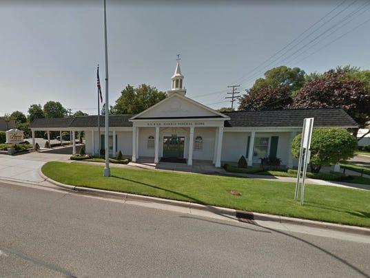 636560328704141658-Harris-Funeral-home.JPG