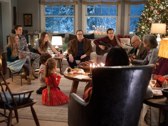 Film Review-Love the Coopers (2)