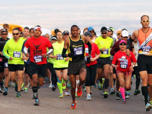 Runners start the 2014 Michelob Ultra El Paso Marathon atop Trans Mountain Drive.