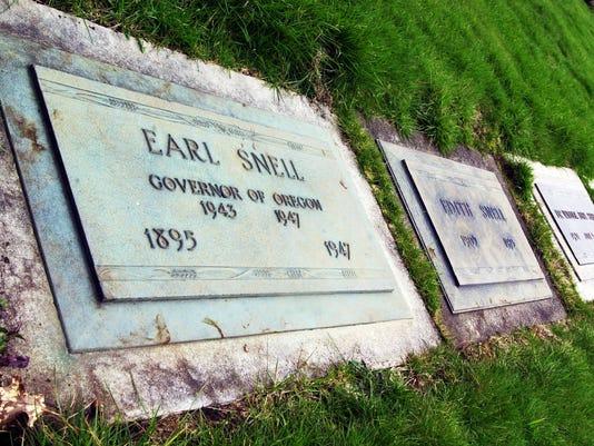 Earl Snell headstone SECONDARY 2.jpg
