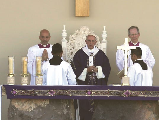 a comparison of the spanish mass and english mass Read the complete list of the changes to the catholic mass, in the  major  differences between the traditional latin mass and the novus ordo.