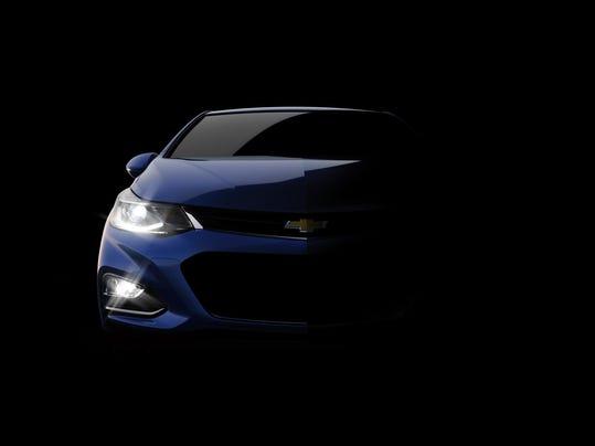 2016-Chevrolet-Cruze-tease-003