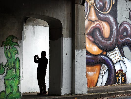 murals lead art